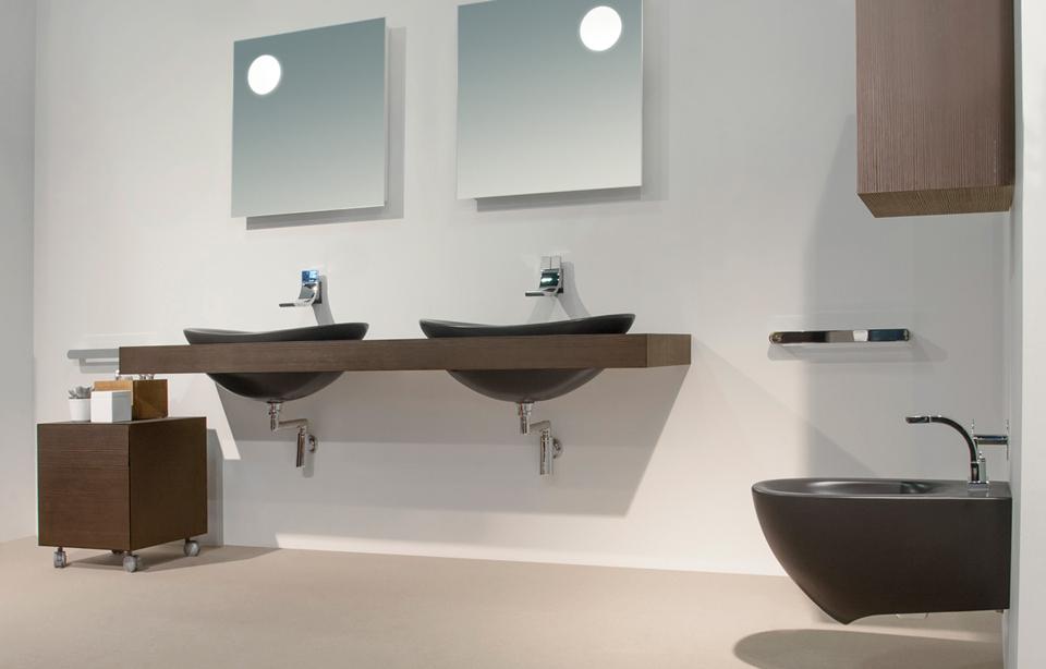 Vasca Da Bagno Sospesa : Vasca da bagno moderna con bagno moderno sospeso venezia e bagno